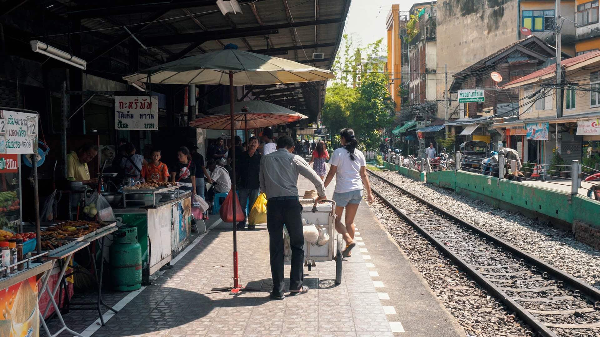Wongwian Yai Train Station in Bangkok