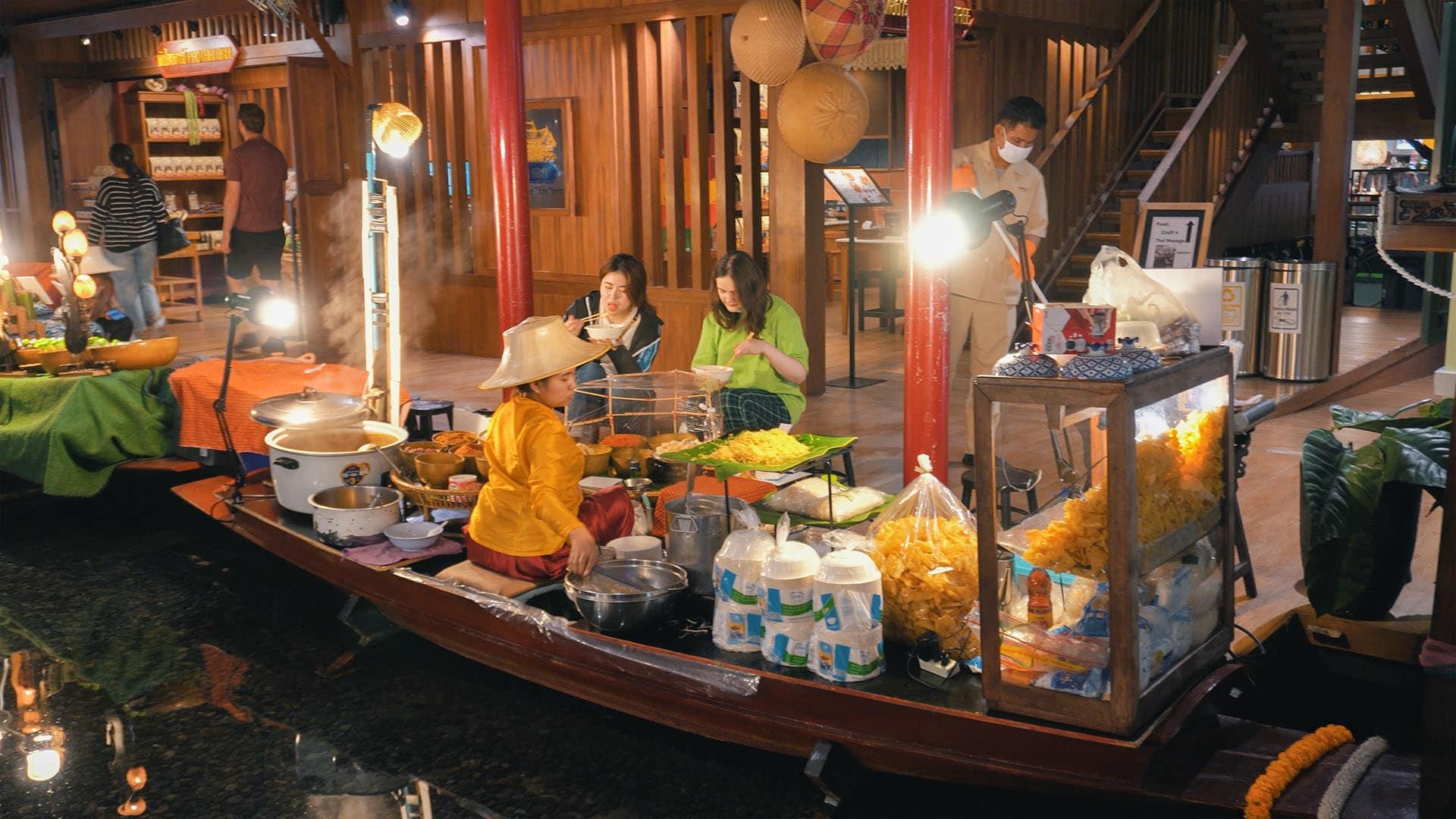 Iconsiam Floating Market