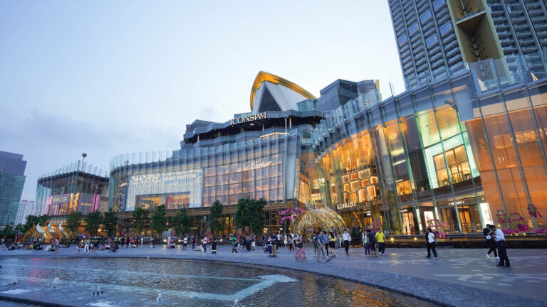 Iconsiam Shopping Mall in Bangkok