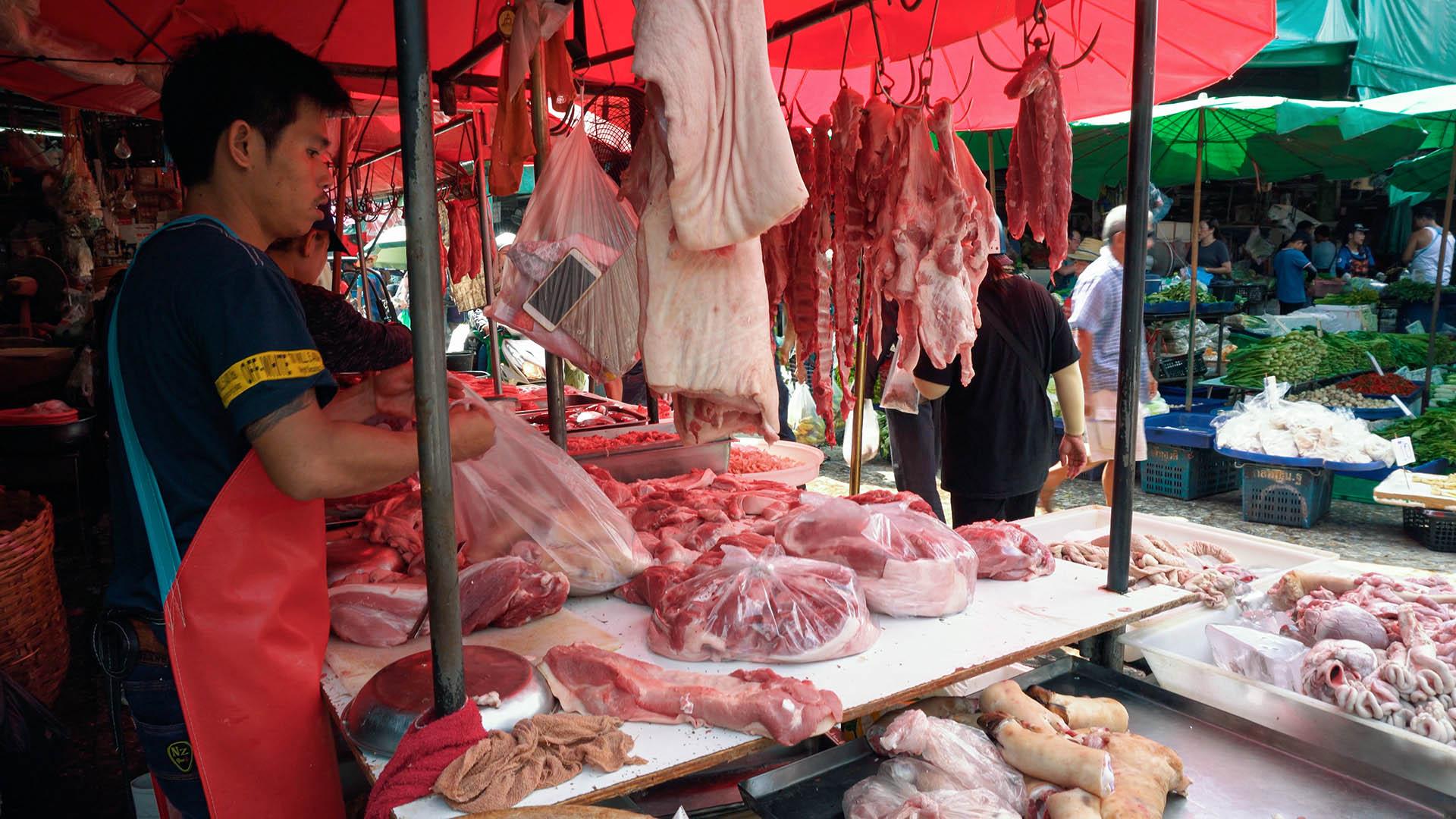 Fleisch am Khlong Toey Market