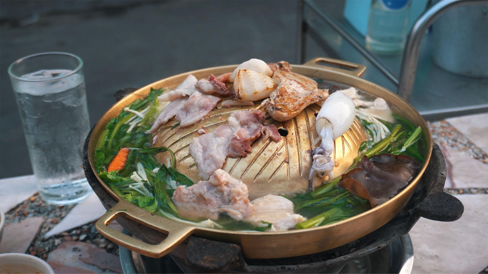 Mu Kratha Thai BBQ